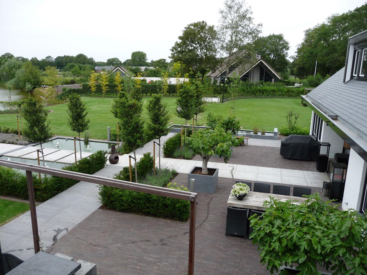 Moderne tuinen hovenier art green lunteren - Terras van droom ...