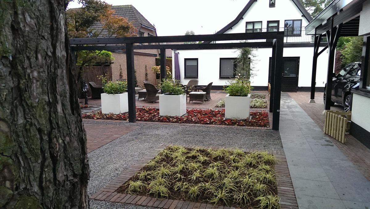 Strakke tuin - Hovenier Art & Green Lunteren